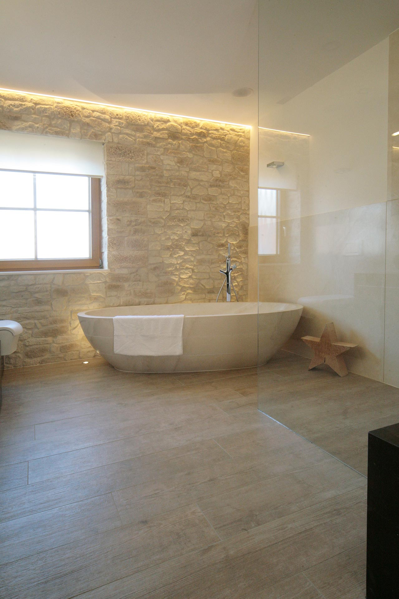 Actica gmbh actica planen einrichten badezimmer und for Badezimmer einrichten planen